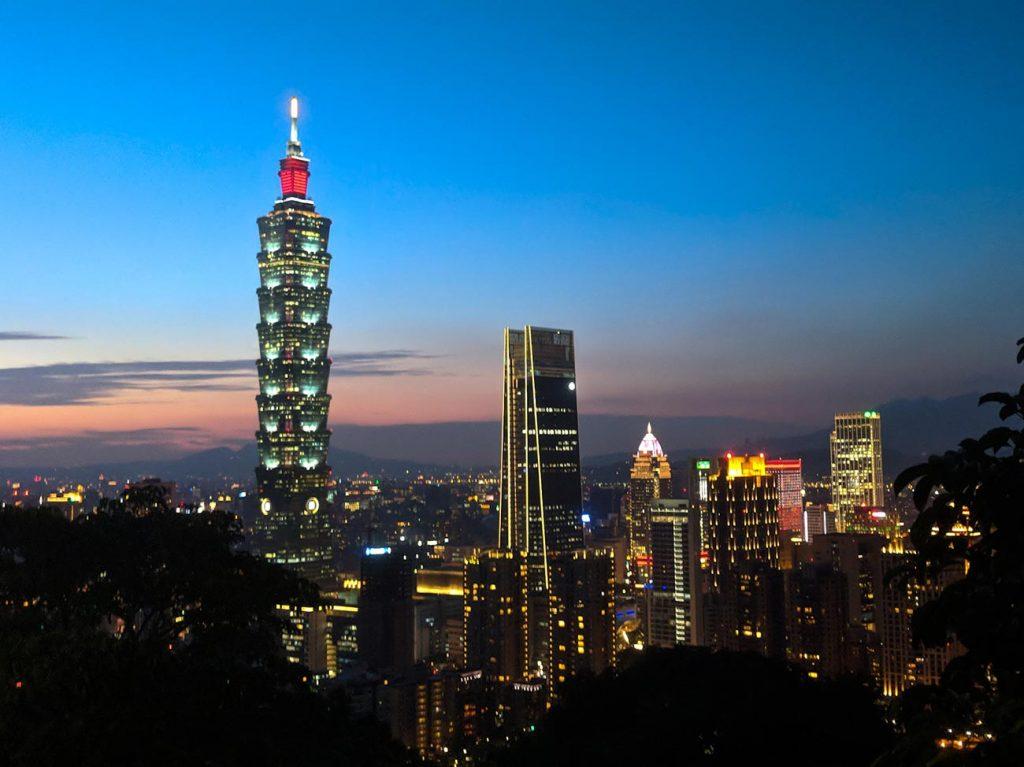 Teaching English Online: Traveling the world, Taipei at Dusk