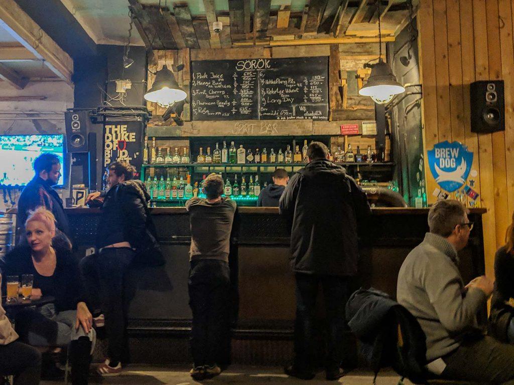 Budapest Ruin Pub: Bar attached to Élesztő