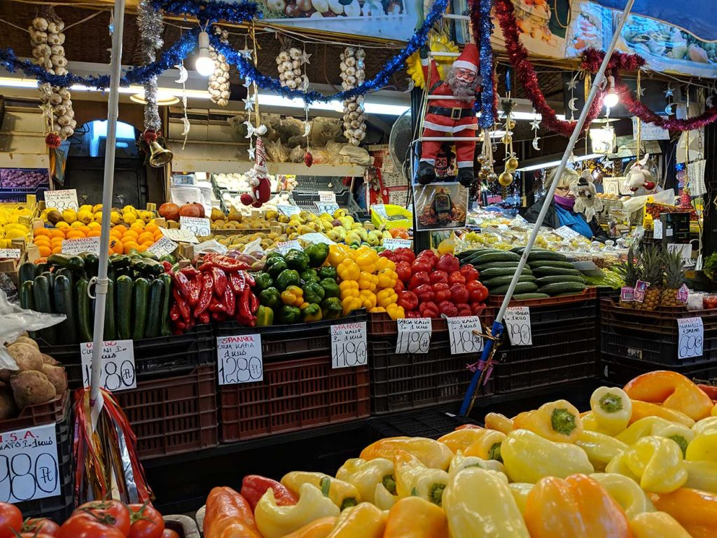 Rákóczi Tér market hall vegetable stall