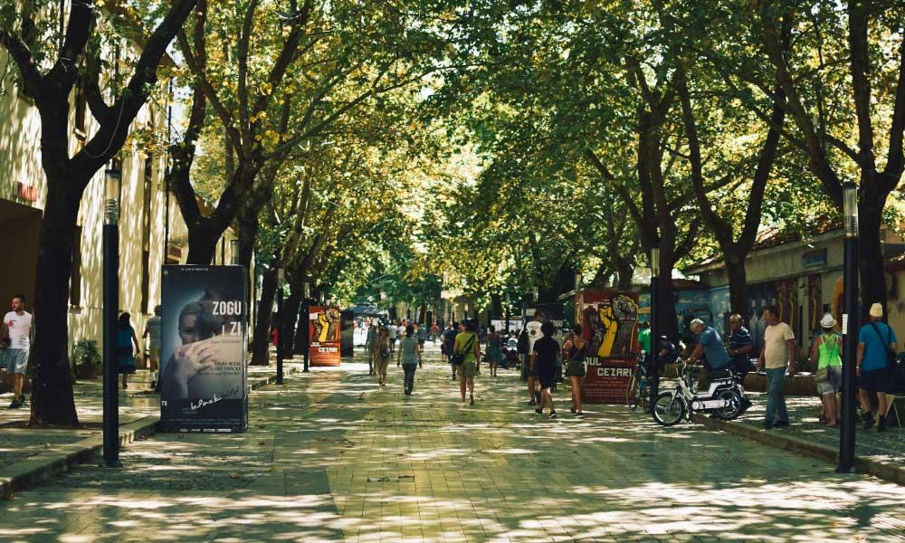 Rruga Murat Toptani Promenade in Tirana