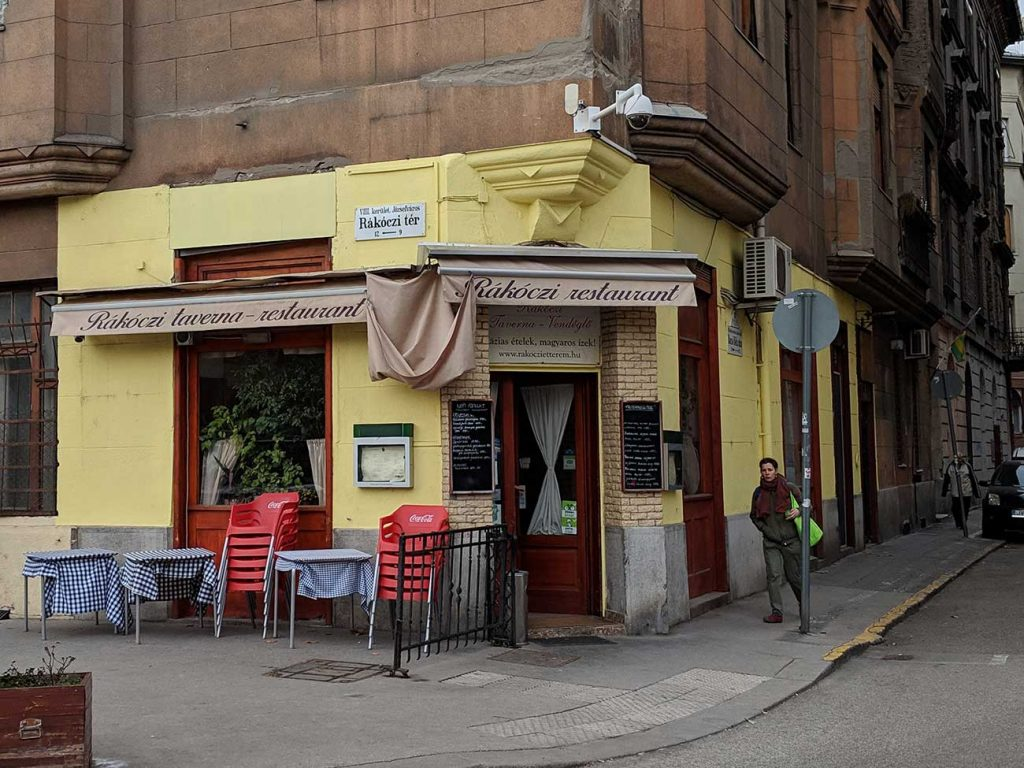 Budapest Restaurants: Front door of Rákóczi Restaurant